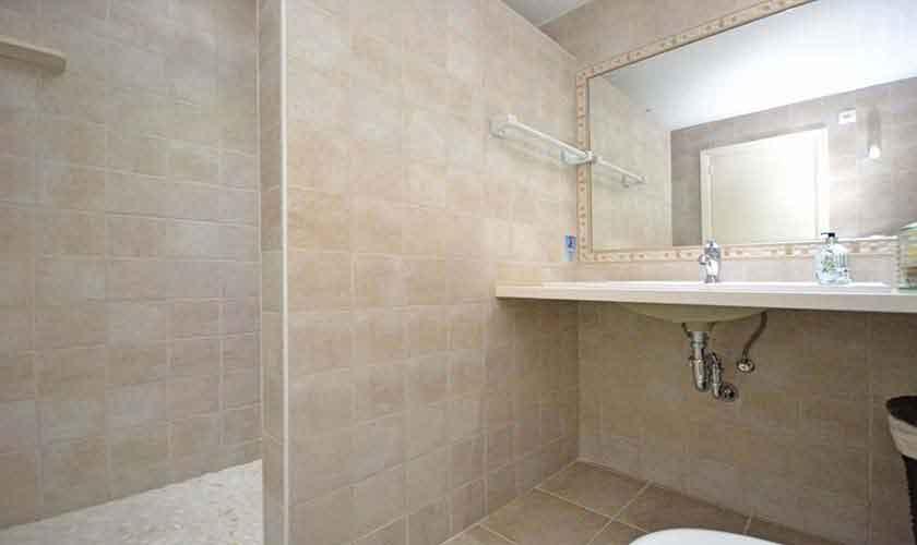 Badezimmer Ferienfinca Mallorca für 8 Personen PM 3031