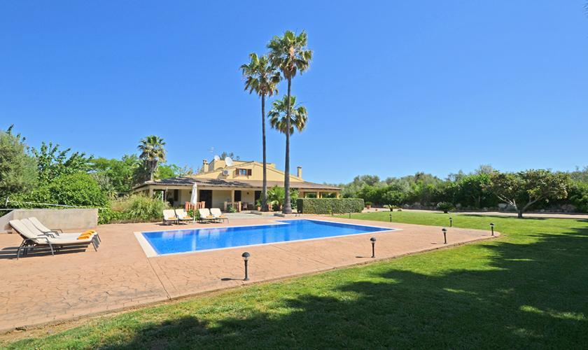 Pool und Garten Finca Mallorca Norden PM 3034