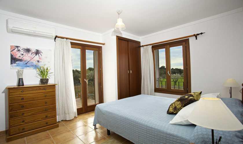 Schlafzimmer Ferienhaus Mallorca 8 Personen PM 3035