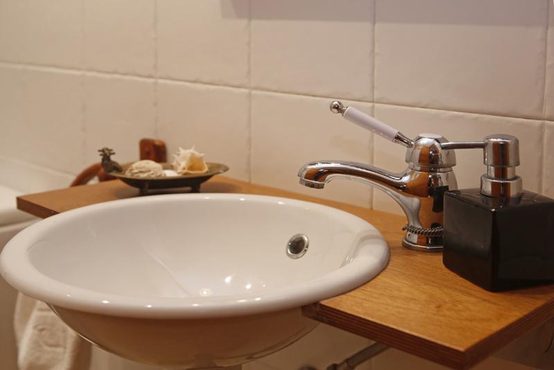 Modernes Waschbecken Bad Finca Mallorca mit Pool PM 3062 für 8 Personen