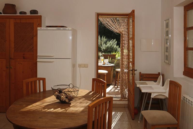 Küche 3 der Finca Mallorca mit Pool PM 3062 für 8 Personen