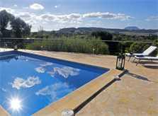 Pool und Landschaft Ferienfinca Mallorca mit Pool PM 3062 für 8 Personen