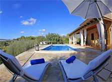 Pool und Liegen 2 der Ferienfinca mit Pool PM 3062 für 8 Personen