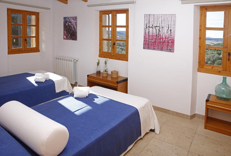 Schlafzimmer  2 Finca Mallorca mit Pool PM 3062 für 8 Personen