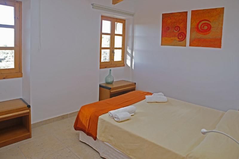 Schlafzimmer 1  Finca Mallorca mit Pool PM 3062 für 8 Personen