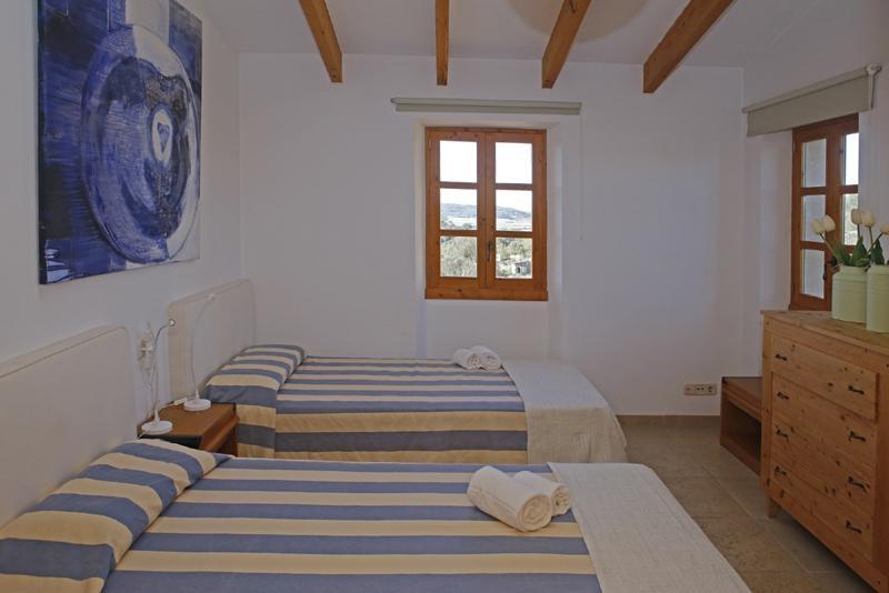Schlafzimmer  3b Finca Mallorca mit Pool PM 3062 für 8 Personen