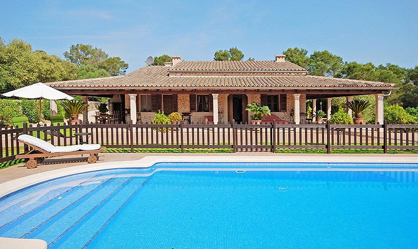 Umzäunter Pool und Finca Mallorca für 16 Personen PM 3065