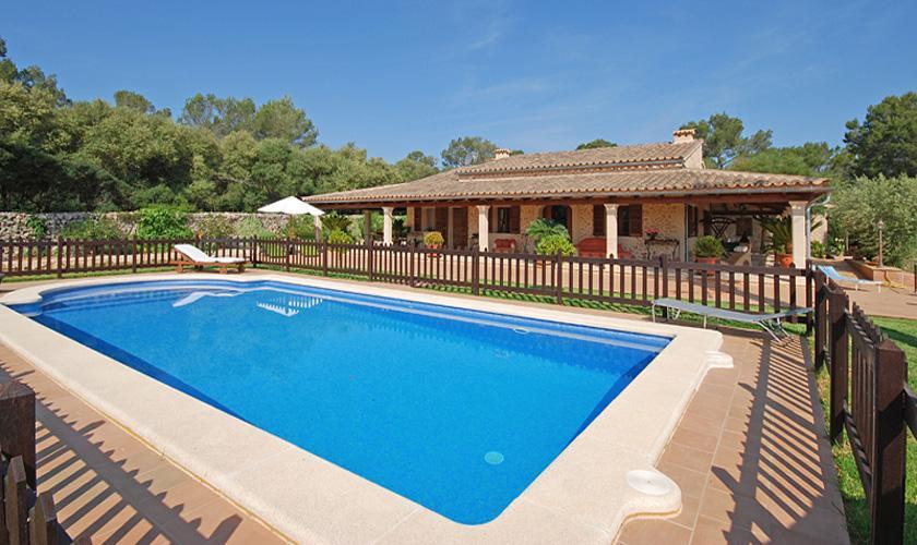 Pool kindergesichert und Finca Mallorca für 16 Personen PM 3065