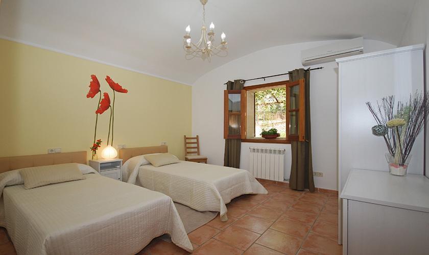 Schlafzimmer Gästehaus Finca Mallorca für 16 Personen PM 3065
