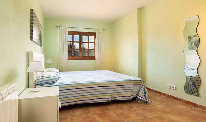 Schlafzimmer Ferienvilla Mallorca PM 3068