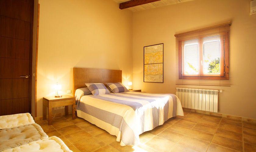 Schlafzimmer Ferienvilla Mallorca PM 3015
