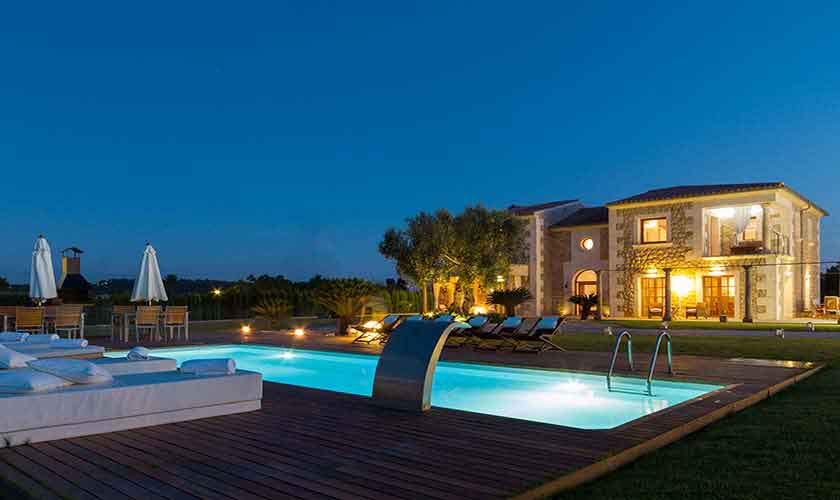 Pool und Finca Mallorca abends PM 3115