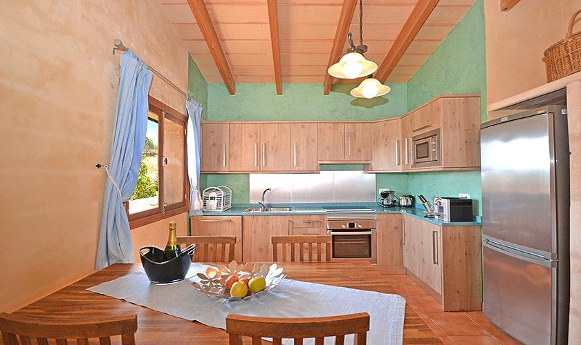 Küche Finca Mallorca für 4 Personen PM 3131