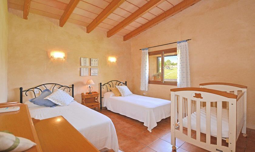 Schlafzimmer Finca Mallorca für 4 Personen PM 3131