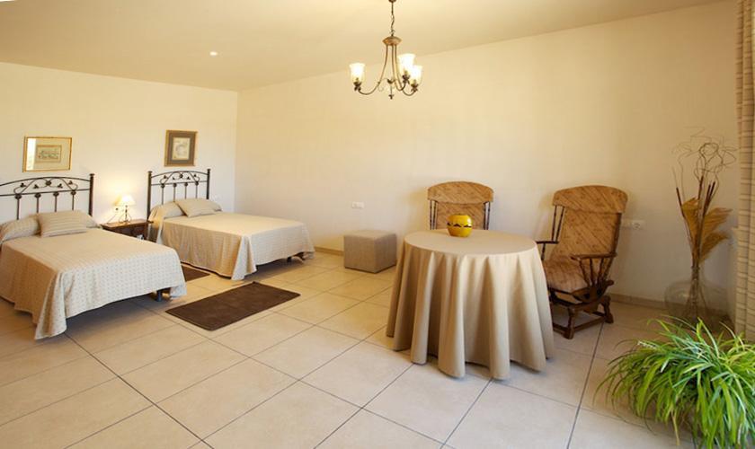 Schlafzimmer Ferienvilla Mallorca für 10 Personen PM 3132