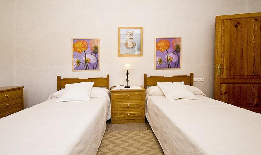 Schlafzimmer Finca Mallorca für 10 Personen PM 316