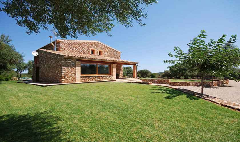 Blick auf die Finca Mallorca 8 Personen PM 317