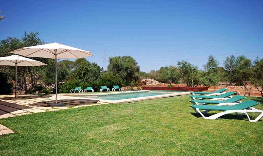 Pool und Rasen Finca Mallorca 8 Personen PM 317