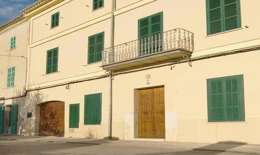 Front zum Dorf Ferienhaus Mallorca 16-18 Personen PM 318