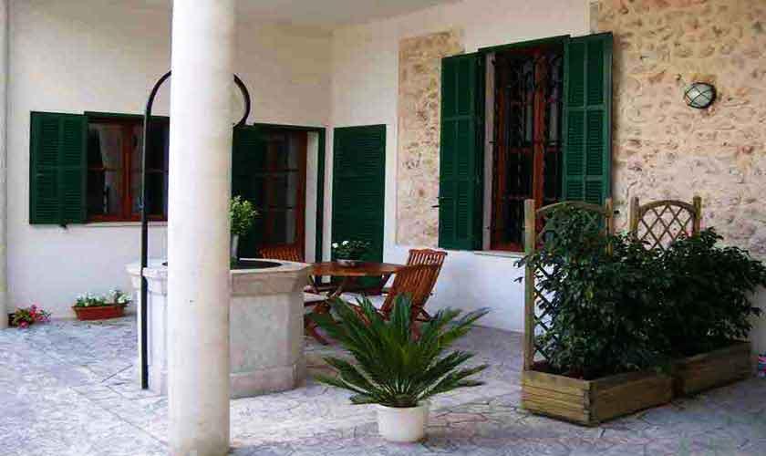 Terrasse Ferienhaus Mallorca 16-18 Personen PM 318