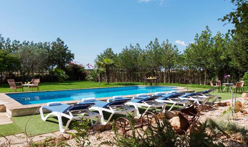 Pool und Liegen Finca  Mallorca 8 Personen PM 3215