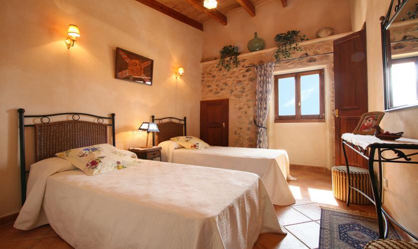 Schlafzimmer Finca Mallorca PM 325