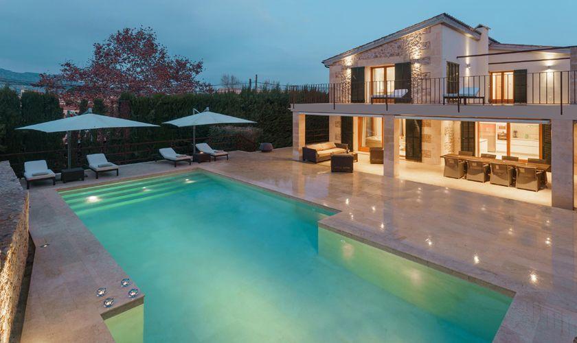 Pool und Finca bei Nacht PM 3314
