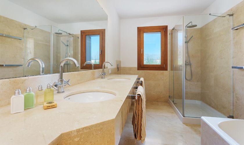 Badezimmer Finca Mallorca 8 Personen PM 3314