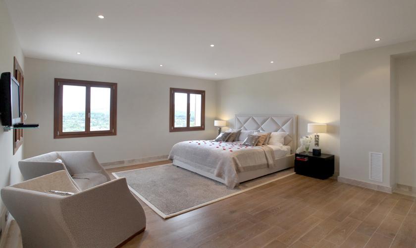 Schlafzimmer Luxusvilla Mallorca für 12 Personen PM 3318