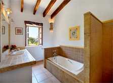Bad 2r Finca Mallorca  mit Pool im Norden PM 3403 für 6 Personen