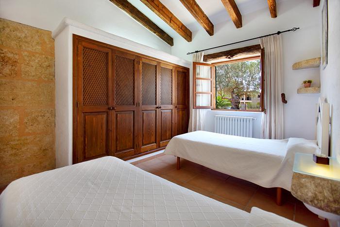 Schlafzimmer 3 B Finca Mallorca  mit Pool im Norden PM 3403 für 6 Personen
