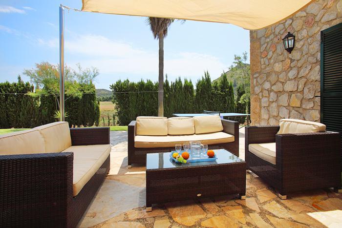 Terrasse der Finca mit Pool Mallorca Norden PM 3403 für 6 Personen