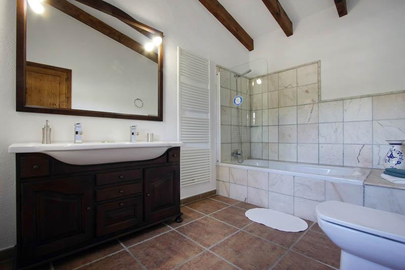 Badezimmer Finca Mallorca mit Pool für 4 Personen PM 3409