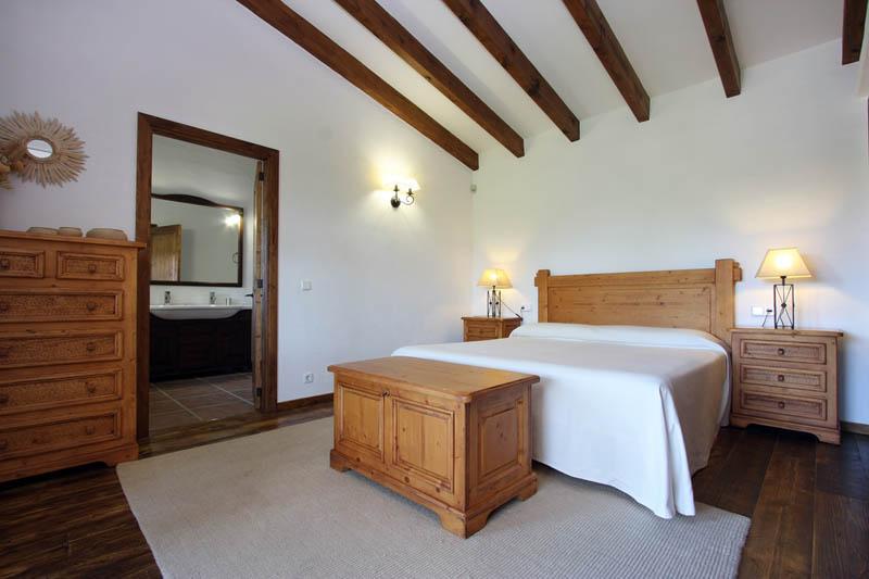 Schlafzimmer Finca Mallorca mit Pool für 4 Personen PM 3409