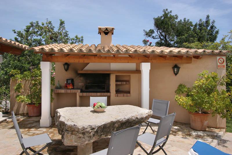 Barbecue der Ferienfinca Mallorca Norden für 6 Personen PM 3411