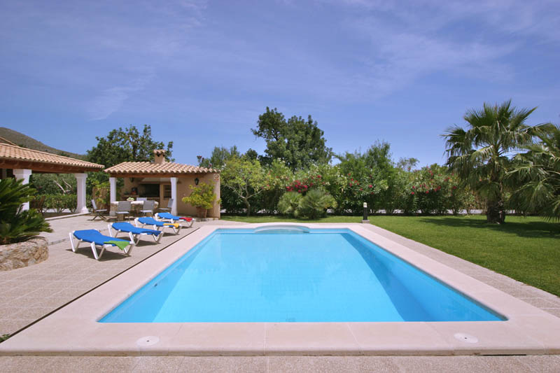 Pool der Finca Mallorca Norden für 6 Personen PM 3411