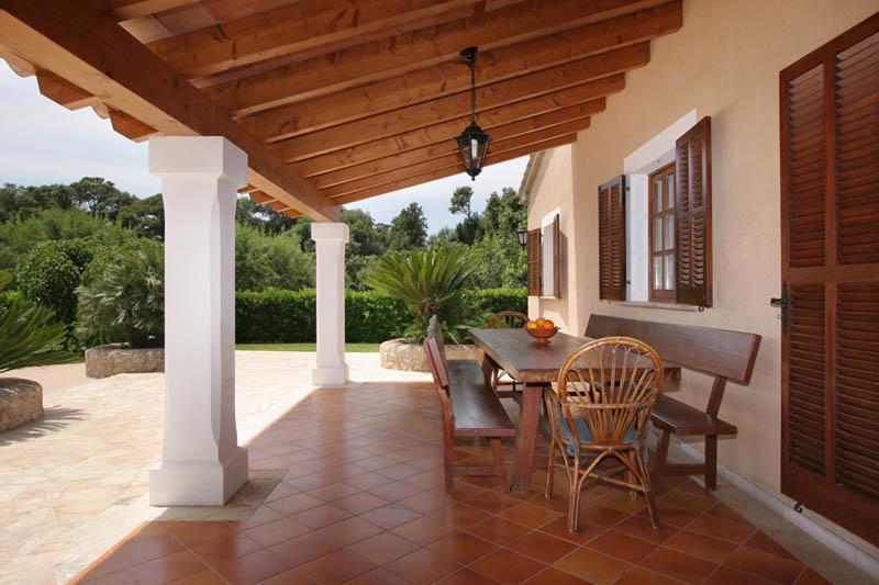 Terrasse der Ferienfinca Mallorca Norden für 6 Personen PM 3411