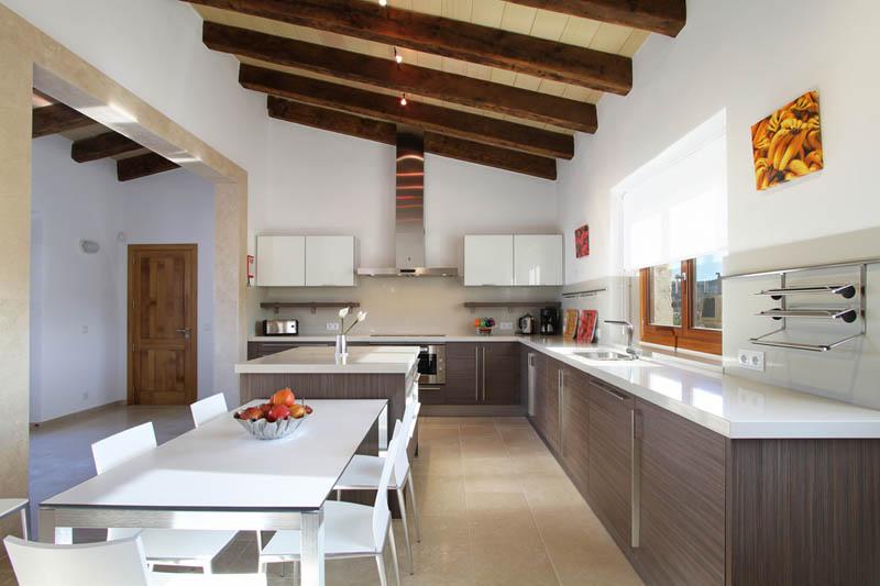 Küche Ferienvilla Mallorca Norden für 10 Personen PM 3412