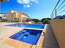 Pool und Terrasse der Ferienvilla Mallorca Nordküste PM 3417