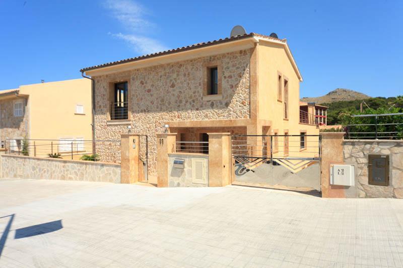Blick auf die Ferienvilla Strandnähe Mallorca Nordküste PM 3417