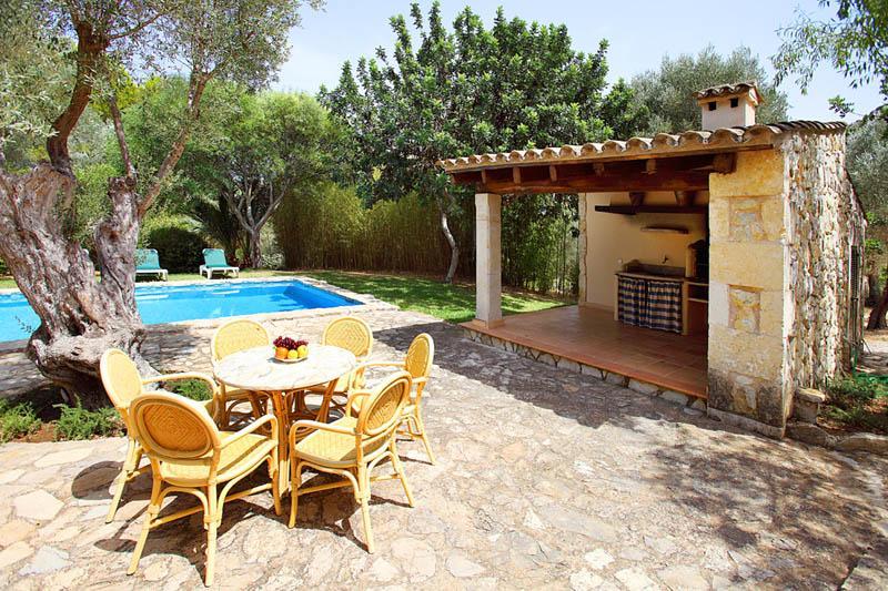 Grillplatz und Pool Finca Mallorca PM 3418