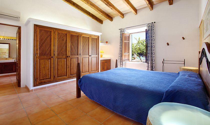 Schlafzimmer Ferienfinca Mallorca 6 Personen PM 3420