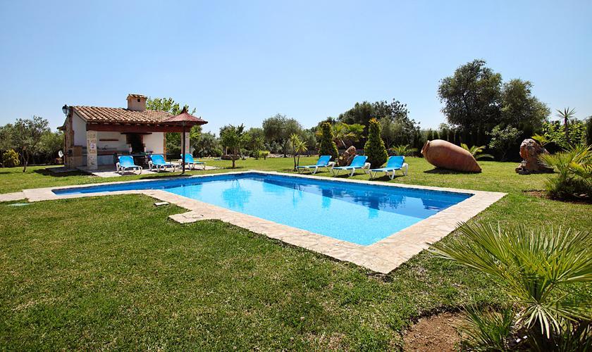 Rasenflächen Finca Mallorca Pool PM 3420