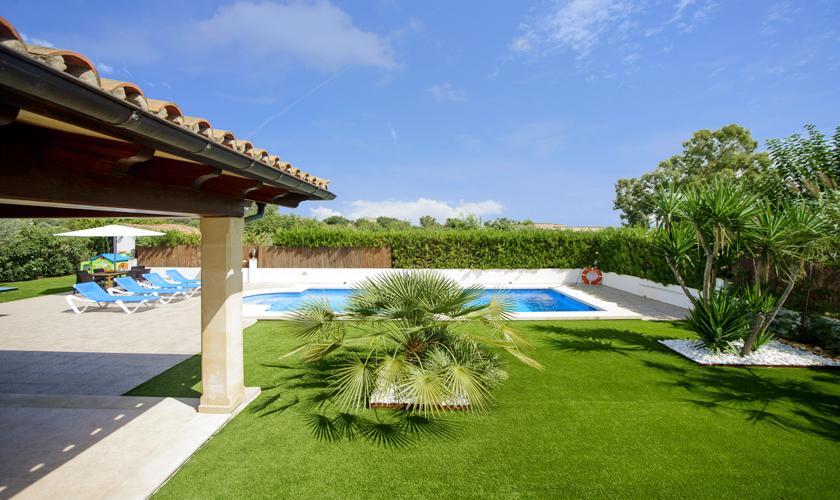 Pool und Rasen Ferienhaus Mallorca Norden PM 3427