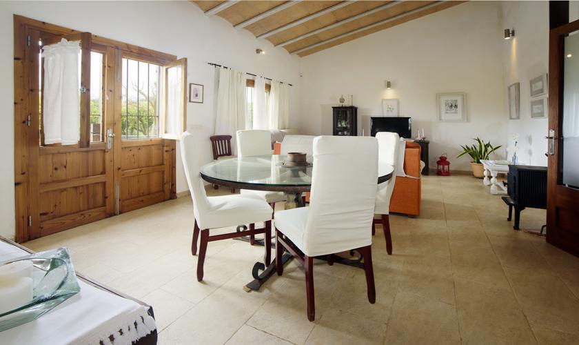 Wohnraum Finca Mallorca mit Pool PM 3428