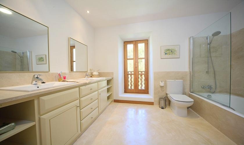 Badezimmer Ferienfinca Mallorca Nordküste PM 3508