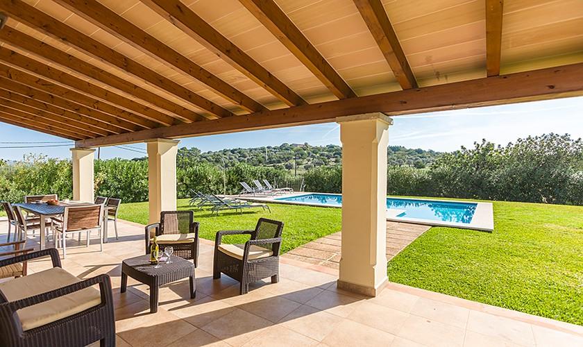Überdachte Terrasse Ferienfinca Mallorca Norden PM 3510