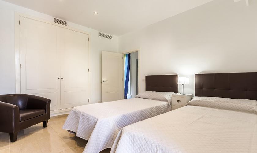 Schlafzimmer Ferienhaus Mallorca Strandnähe PM 3513