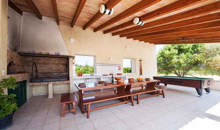 Terrasse und Barbecue Finca Mallorca 10 Personen PM 3514