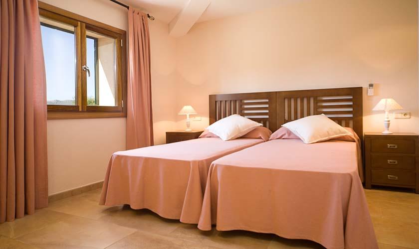 Schlafzimmer Finca Mallorca für 4 Personen PM 3518